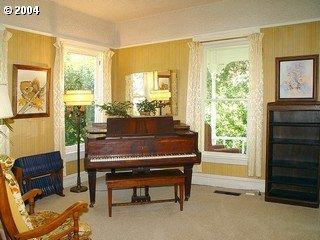 [photo of piano room]
