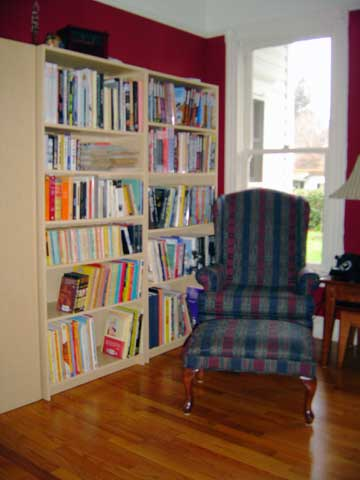 [photo of reading chair]