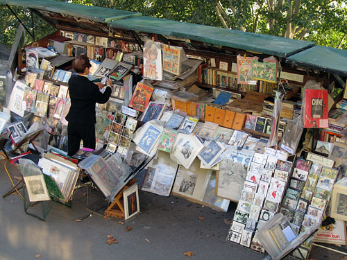These bookstalls are common on both banks of the Seine