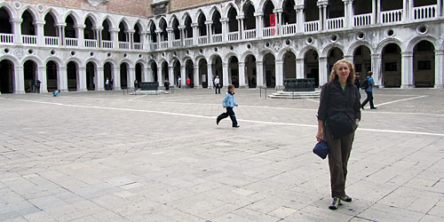 Kris, in the courtyard of the Doge's Palace