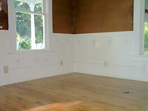 [The holes in the wainscot]